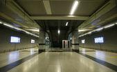 Escalator at underground station, delhi, india — Stockfoto