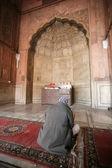 Man at prayer time at Jama Masjid, Delhi, India — Stock Photo