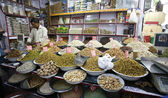 Dried fruit and nuts market in delhi, india — Stockfoto