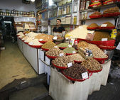 Dried fruit and nuts market in delhi, india — Stock Photo