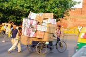 Pakiety na rowerze — Zdjęcie stockowe