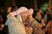 Female Lag Baomer pilgrim praying during festivities. — Stock Photo