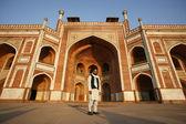 Muslim man at Humayun Tomb, Delhi, India — Stock Photo