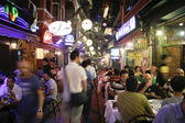İstanbul, türkiye - 25 temmuz 2007. restoran ve bar gece hayatı taksim — Stok fotoğraf