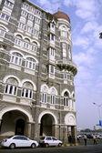 Streetside view of Taj Mahal hotel, mumbai, india — Stock Photo