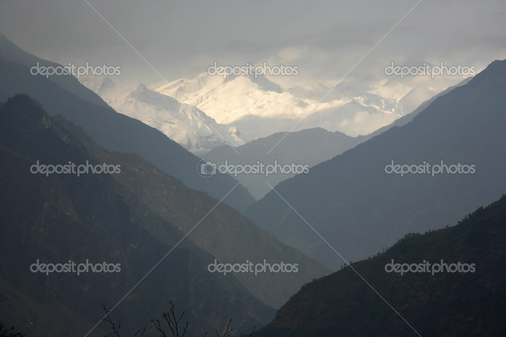 Mountain valley silhouette, himalayas, annapurna, nepal — Stock Photo #8045073