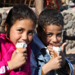 Kids eating ice-cream — Stok fotoğraf
