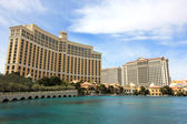 A sunny shot of the Bellagio and Caesars Palace hotels — Stock Photo