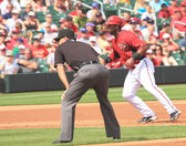 Arizona Diamondbacks First Baseman Juan Miranda Runs the Bases — Stock Photo