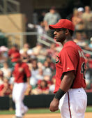Arizona Diamondbacks First Baseman Juan Miranda Eyes the Batter — Stock Photo