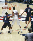 A Play Set Up by Jordin Mayes in an Arizona Basketball Game — Stock Photo