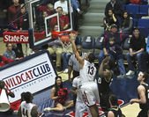 A Slam Dunk by Arizona Wildcat Nick Johnson — Stock Photo