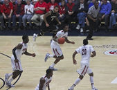 A Fast Break by Arizona Wildcat Jesse Perry — Stock Photo