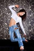 Krásná mladá městské ženy tančí — Stock fotografie