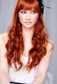 Ritratto di bella donna caucasica giovane — Foto Stock