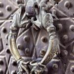 Door handle on a Agha Bozorg mosque, Kashan, Iran — Stock Photo