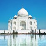World wonder Taj Mahal in soft daily light — Stock Photo