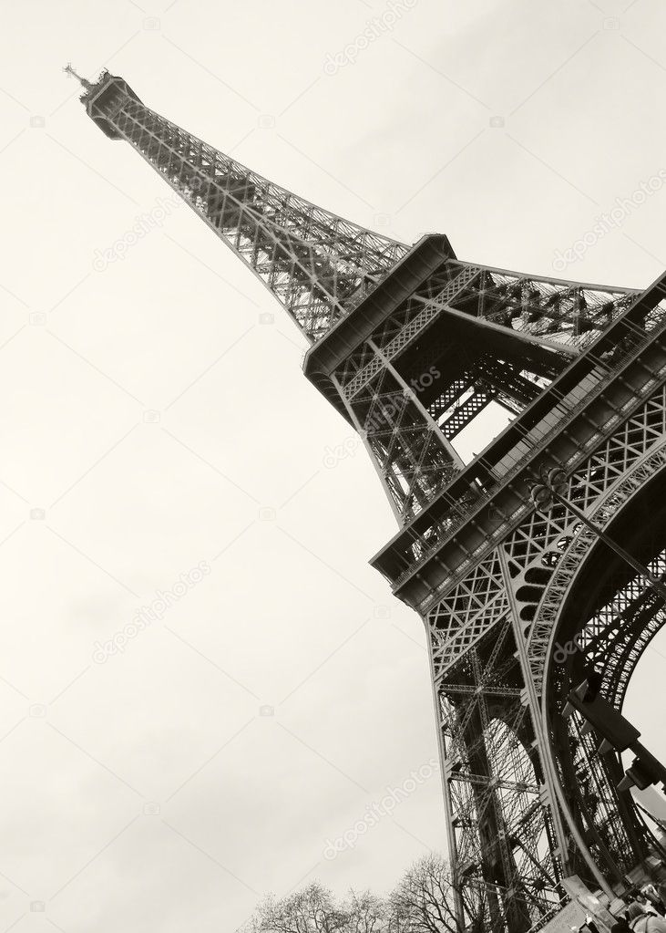 эйфелевая башня чёрно белое фото
