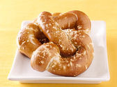 Two pretzels on a plate — Stock Photo