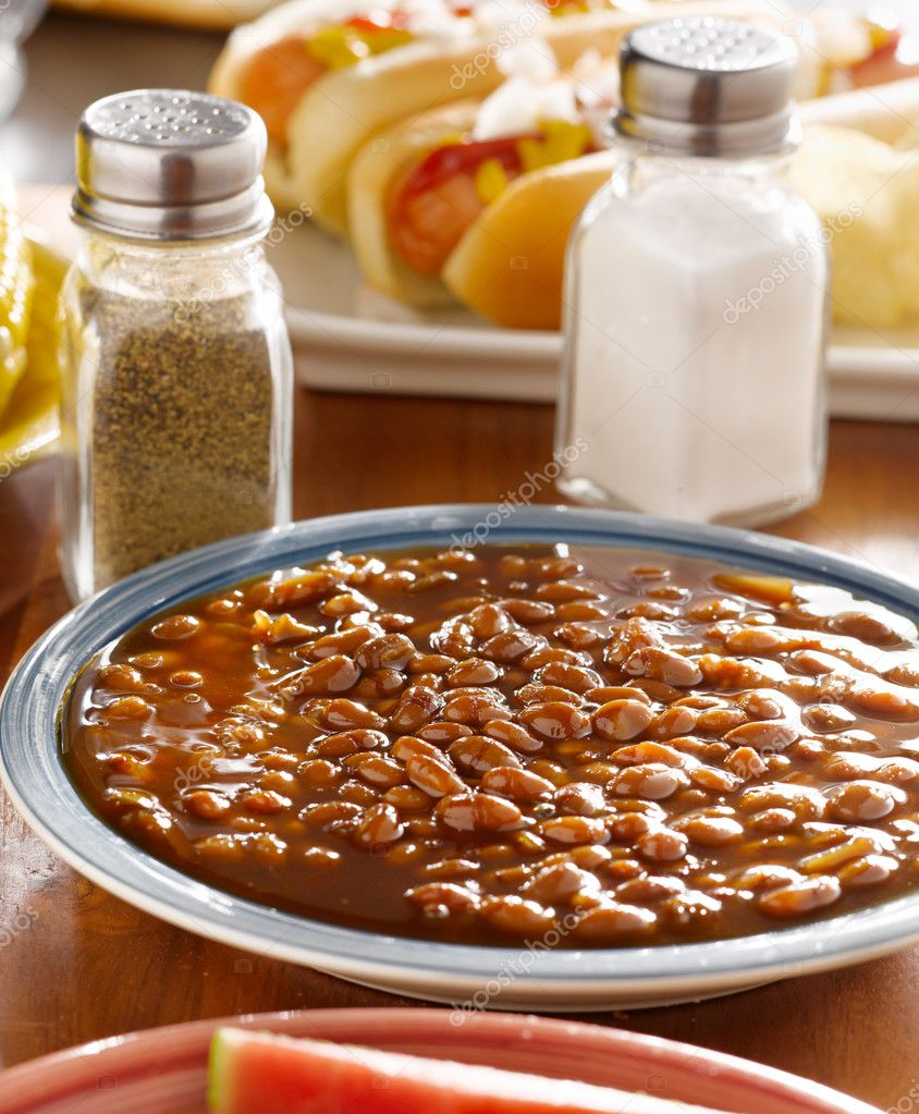 Meal wiith baked beans — Stock Photo #8628065