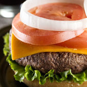 Juicey cheeseburger — Stock Photo