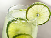 Lime drink with ice closeup — Stock Photo