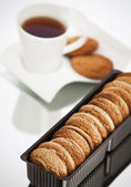 Cookies and tea on the table — Stock Photo