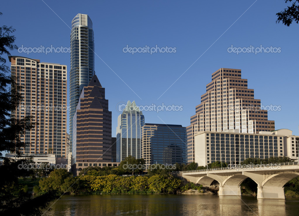 Austin, Texas skyline, Lady Bird Lake and Congress Avenue Bridge. — Stock Photo #8927063