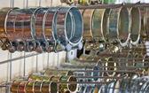Clipes de metal mangueira. anéis de fixação. — Fotografia Stock