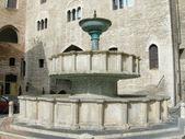 Rundbrunnen — Stock Photo