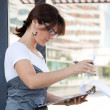Businesswoman working outdoor — 图库照片