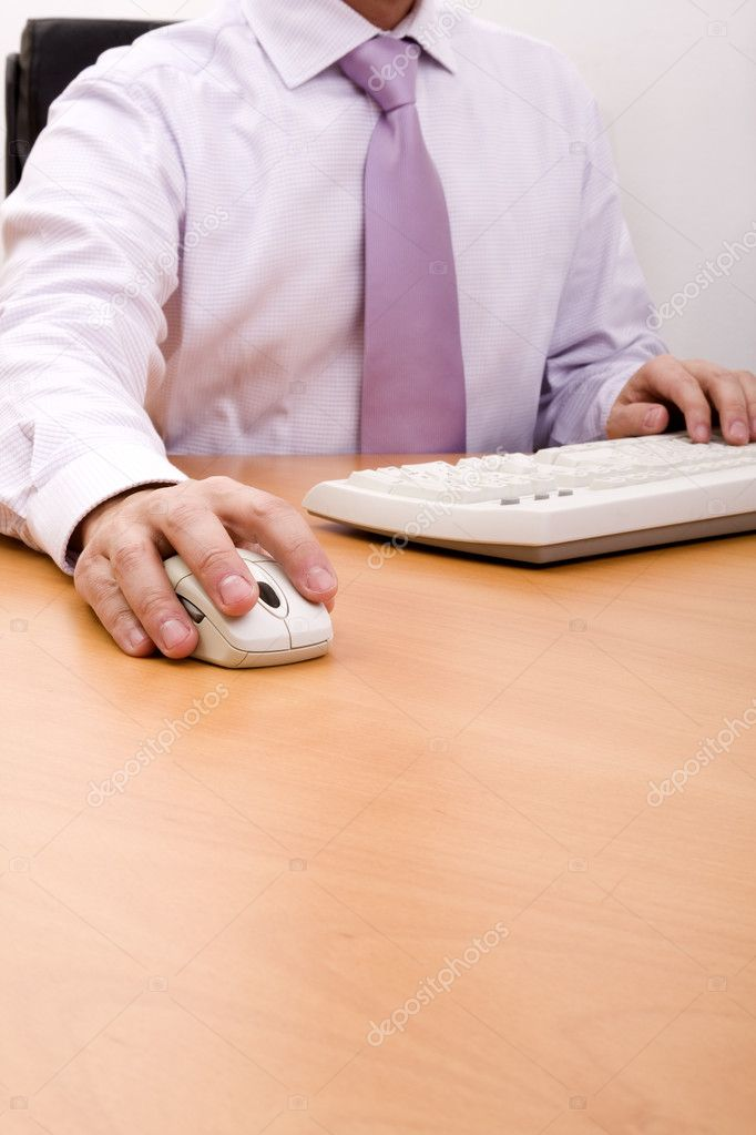 Detail of a modern businessman working in the office (selective focus) — Stock Photo #8533165
