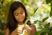 Young child enjoying nature — Stock Photo