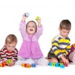在幼儿园玩积木 — 图库照片