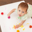 Young painter doesn't need a brush — Stockfoto #8144251