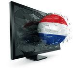Piłka za pośrednictwem monitora — Zdjęcie stockowe