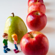 Girl and Boy Discussing Healthy Nutrition — Stock Photo