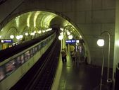 Ille de la cite Metro station — Stock Photo