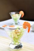 Cocktail di gamberi - Shrimps cocktail — Stock Photo