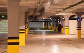 Parking subterráneo — Foto de Stock