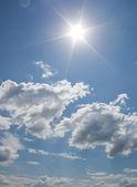 Cielo soleado — Foto de Stock