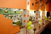 Festivamente decorados interiores del restaurante — Foto de Stock