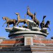 Sculptural composition to fast horses. Ashkhabad. Turkmenistan. — Stock Photo #8971863