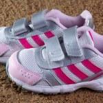 Children's sneakers — Stock Photo