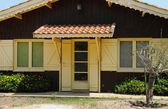 Francia, antigua casa pequeña en hurón cap — Foto de Stock