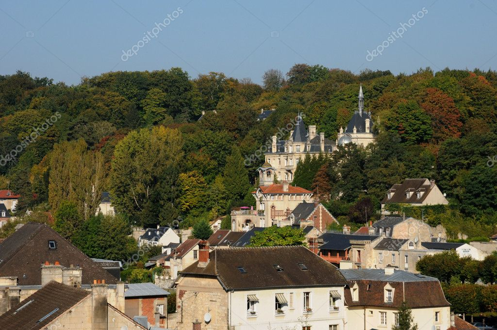 France, the small city of Pierrefonds in Picardie — Stock Photo #8861897