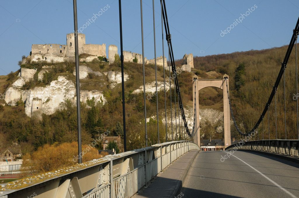 France, suspension bridge of Les Andelys in Normandie — Stock Photo #9082382