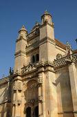 Ile de France, the renaissance church of Vetheuil — Stock Photo