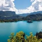 Bled paisaje lago y las montañas de Eslovenia — Foto de Stock