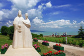 Statue of Hungarian kings on Tihany abbey at Balaton - Hungary — Stock Photo